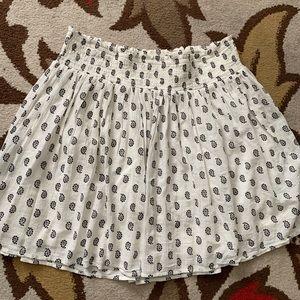 Old Navy short flounce skirt